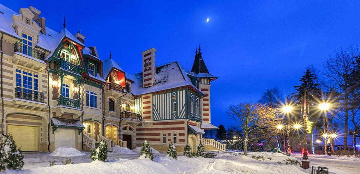 Зимняя ночь в поселке Трувиль