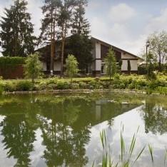 Дом 49 у озера в поселке Трувиль