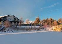 Дом у озера зимой, КП Трувиль